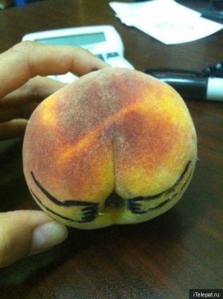Персик - жопа